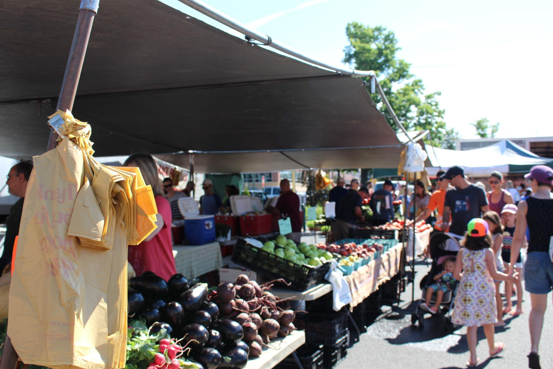 LOCAL: Summit Farmers Market Sundays